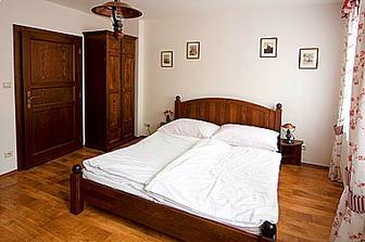 líbánkový pokojíček hned po svatbě krátce na svatební cestu v Čechách