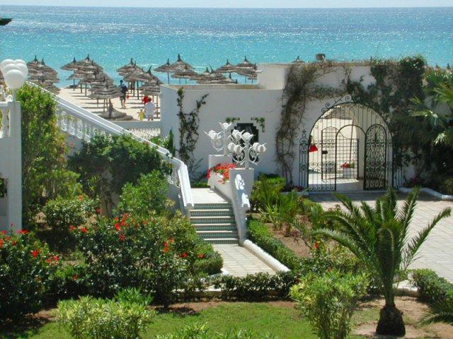 R+H 10červen2006 - hotel v  Hammametu Tunisko - svatební cesta v létě