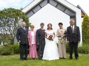 Rodiče ženicha, u nevěsty mamka a stejda