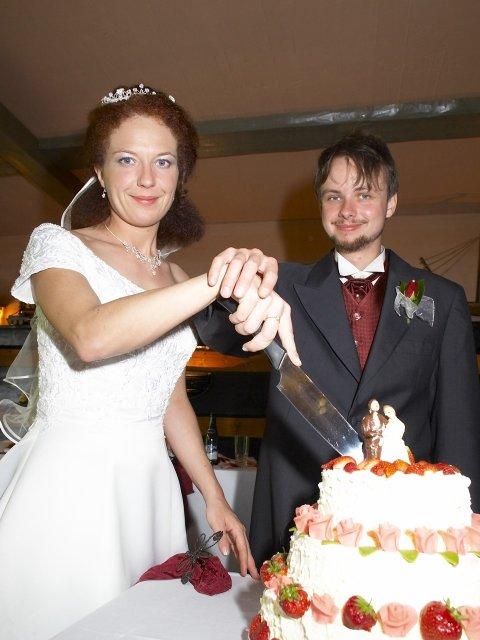 Romča{{_AND_}}Jan - Krájení dortu - tradice. byl výborný.