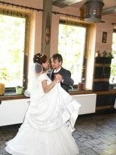 První manželský tanec -valčík