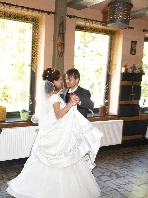 Romča{{_AND_}}Jan - První manželský tanec -valčík