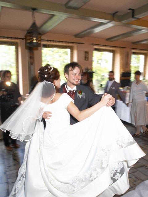Romča{{_AND_}}Jan - Tančit šlo i s vlečkou - bez problémů