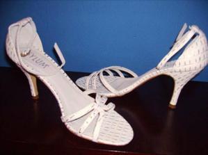 alebo sandalky?