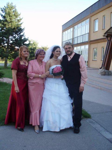 Lucia Pfeifferová{{_AND_}}Marián Blažek - moji rodicia a sestra