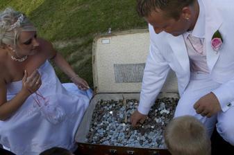 svatební dar-holky my vám to vrátíme!