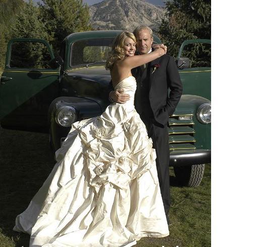 Svadby známych - Kevin Costner a Christine Baumgartner