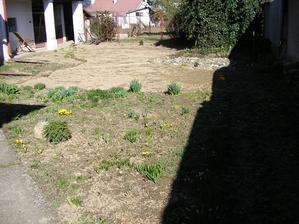 Prvá jar,čakáme,čo vyrastie,rok 2007