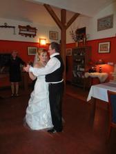 první společný tanec s manželem :-)