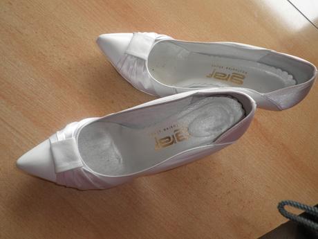 Biele elegantné topánky - Obrázok č. 1