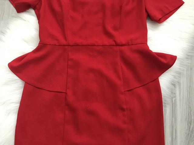 Červené šaty značky Forever21 - Obrázok č. 3