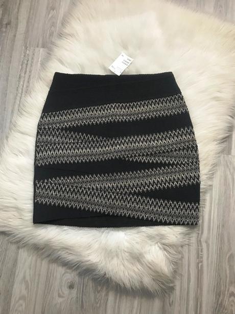 Vzorovaná dámska sukňa značky H&M s ešte visačkou - Obrázok č. 1