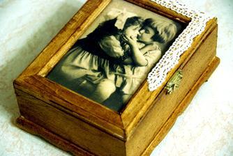 krabička na spomienky:)  /dub zlatý - ryžový papier - krajka/