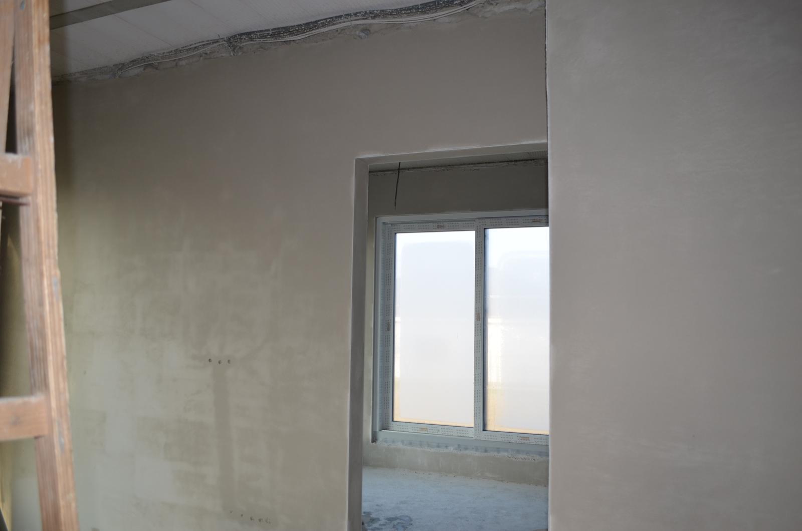 Poskytujeme ZLAVY na sádrové omietky v zime 9,40 Eur/m2. Cena je na komplet práca aj materiál spolu /lišty, apulišty, penetrácia stien, práca, materiál, sieťkovanie 2 druhov materiálu, upratanie stavby/ Mikuláš 0905/225583 - Obrázok č. 1