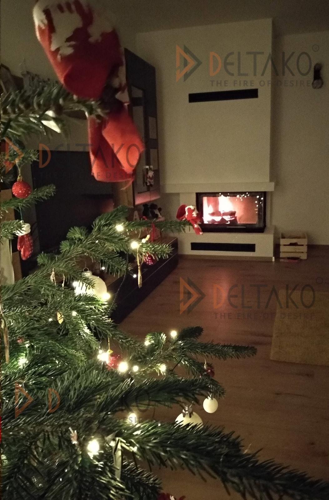 Vianočná atmosféra krbu L80 - Najlkraší vianočný dar od zákazníka je práve takáto fotka. Veľmi pekne ďakujeme. :)