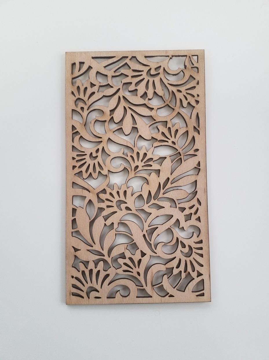 Nástenné dekory, rozdeľovače priestoru, výplne oplotenia, zábradlia, alebo obrazy - Vyzerá skvele ako dekor na stenu, rozdeľovač miestnosti, prvok brány alebo výplň zábradlí. Max. 2 500 x 1 250 mm, resp. na požiadanie