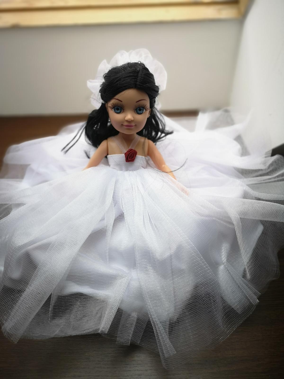 Svatební panenka na auto na polštářku - Obrázek č. 1