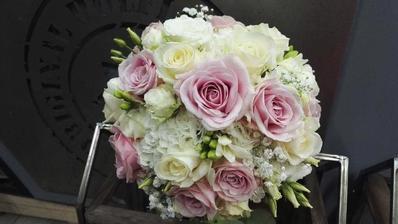 Květiny objednané - já budu mít mix viz. foto :) Už se nemůžu dočkat. Nakonec vyhrálo Studio Holflor v Pardubicích.