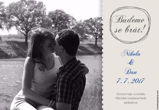 Nakonec jsem ještě trochu upravovala oproti původnímu návrhu. Rozdávali jsme 7. dubna - tedy 3 měsíce před svatbou :)