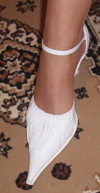 Moje sny,ktore budu skutočnosťou v aprili 2009 časť2 - moje topanocky na mojej nozicke
