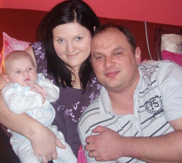 Monika{{_AND_}}Anton Illášovi - A tu šťastna rodinka uz aj s nasim Filipkom