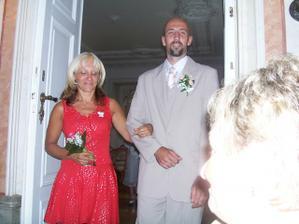 Manžel se sestrou.