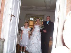 Já s tatínkem a družičkou.