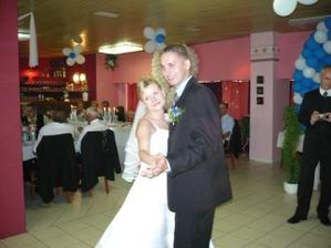 Prvý, už manželský tanec ...