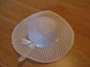 klobouk na auto-také ještě dozdobím