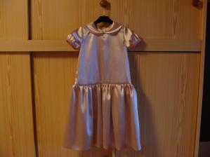 rozešité šaty pro Aničku