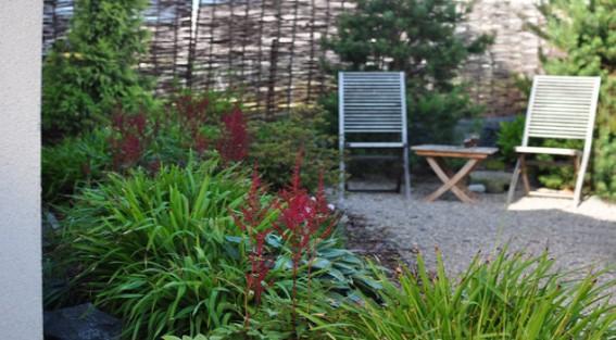 Právě začíná čas plánování zahrad, pár tipů zde: https://kombucha-larch.tumblr.com/post/100739026468/10-chyb-kter%C3%BDm-byste-se-m%C4%9Bli-vyvarovat-p%C5%99i  Sice starší článek, ale pořád pravdivý. - Obrázek č. 1