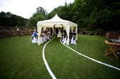 Cestička ke svatební bráně,