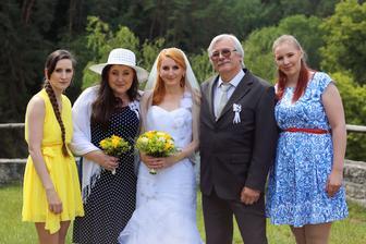 S našima a se sestrama :-)