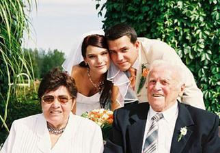 ...s babičkou a dědou...