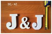 Dřevěná písmena na stůl,