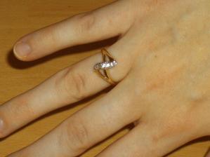 môj zásnubný prstienok od drahého