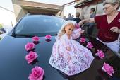 kytičky na auto nevěsty,