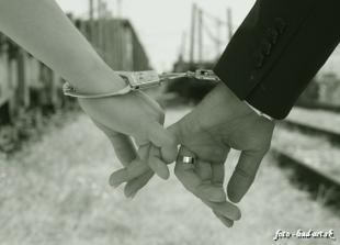 ...ruka v ruke...