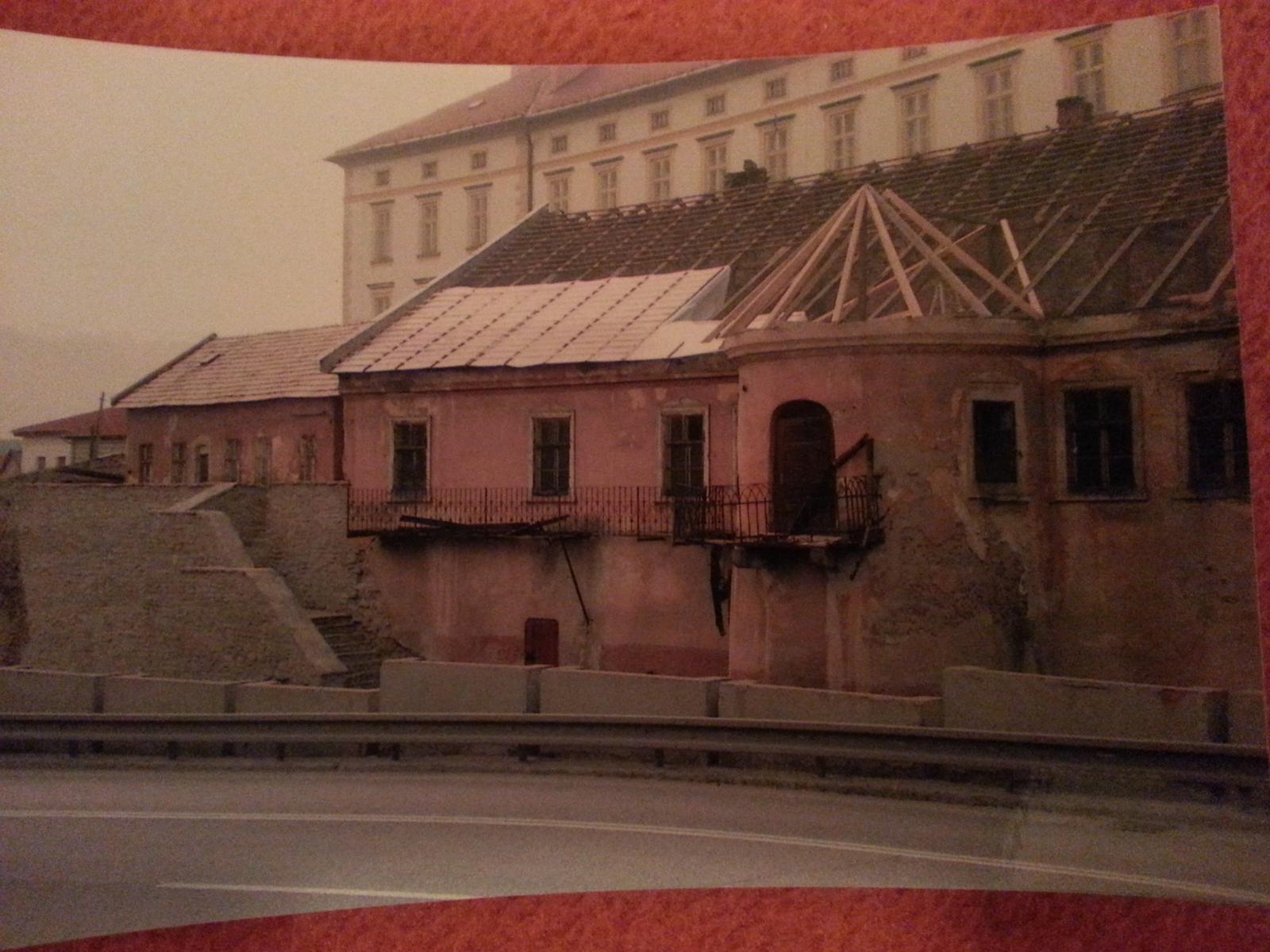 Rekonstrukcia  domu z 18- teho storocia - Trocha z minulosti .....