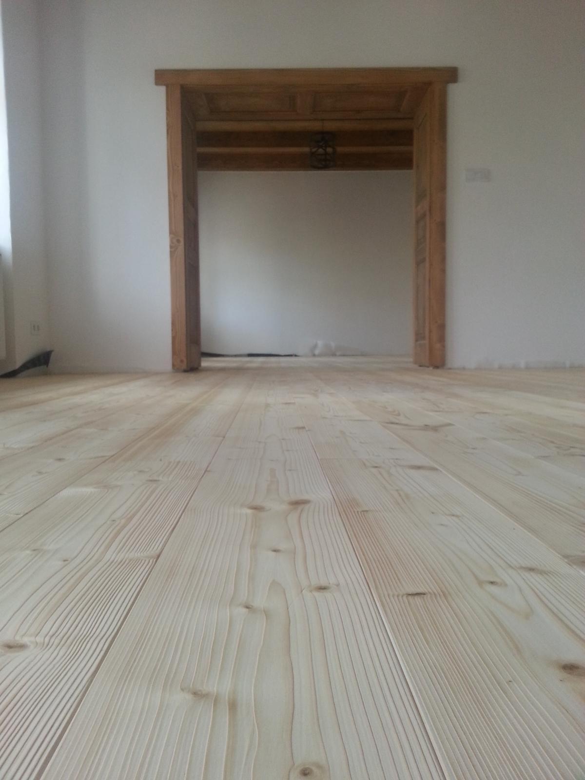 Rekonstrukcia  domu z 18- teho storocia - podlaha dokoncena:)