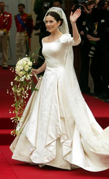 Slavné nevěsty a jejich šatičky - Obrázek č. 42