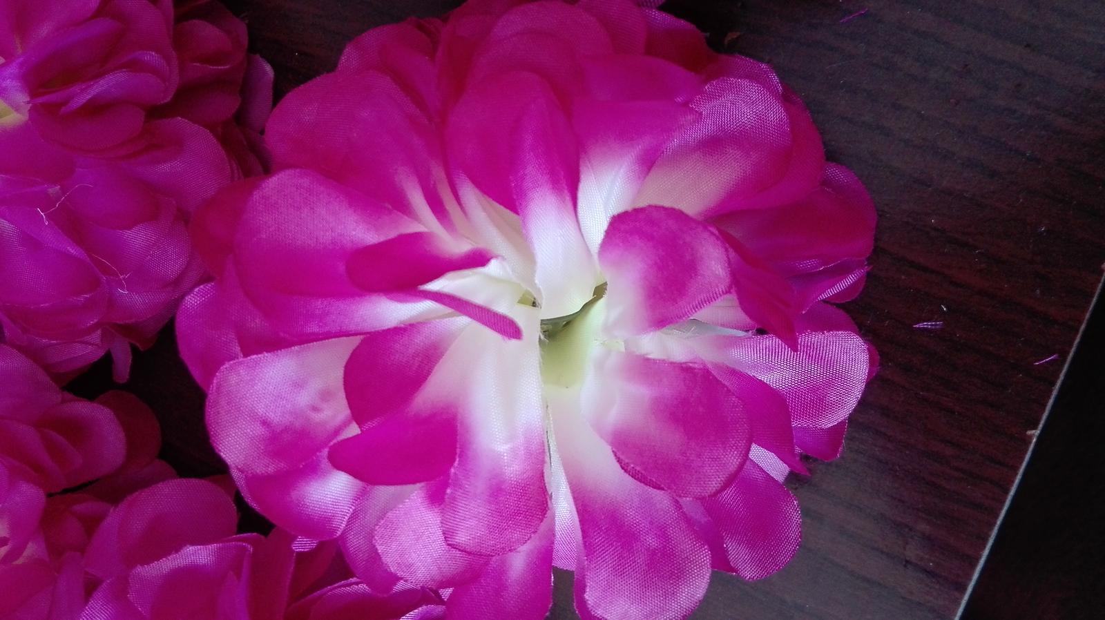 Umělé kytky - Obrázek č. 1