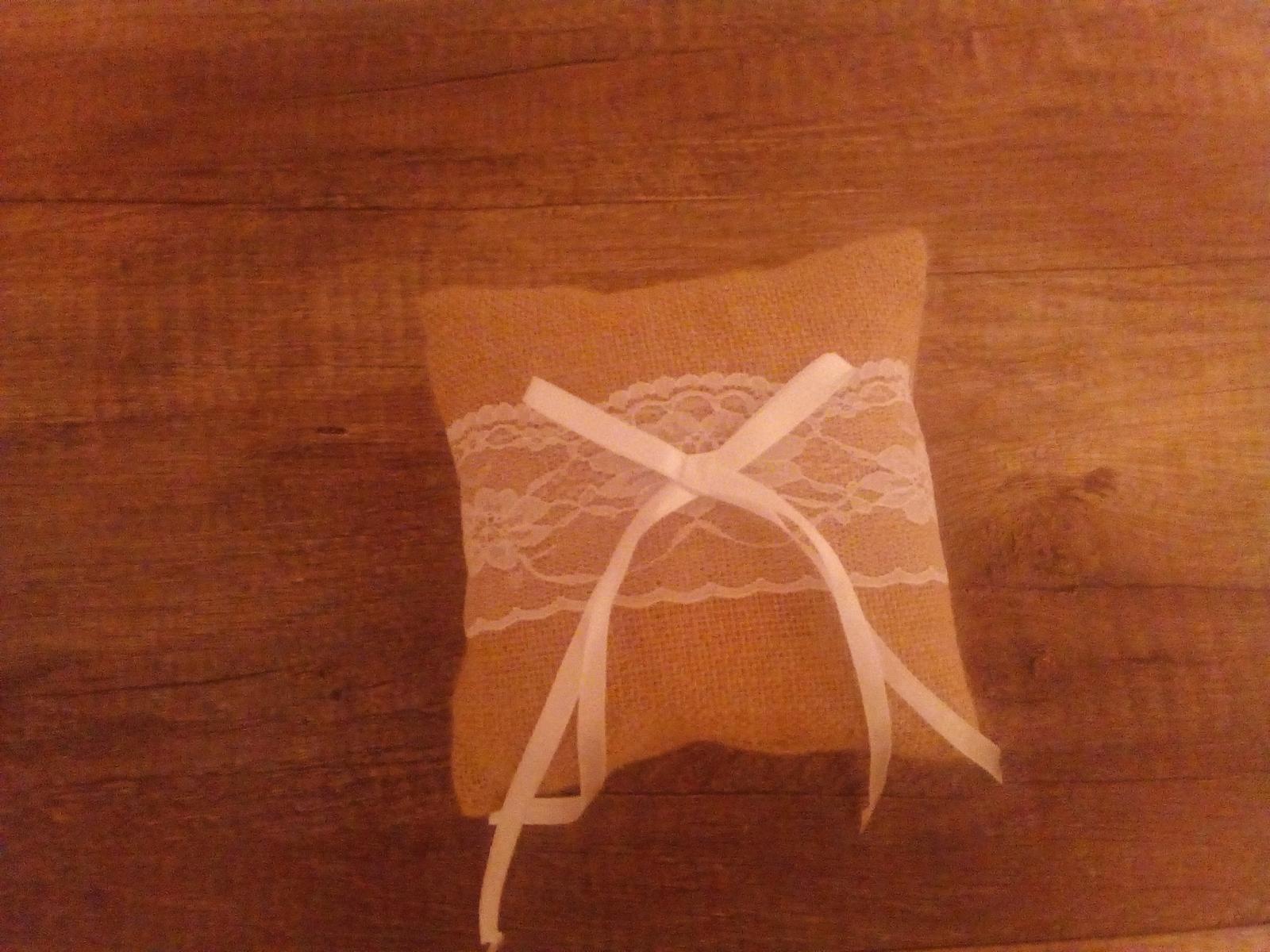Polštářek pod prstýnky - Obrázek č. 1