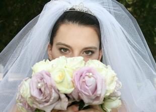 nevěsta se svou svatební kyticí!