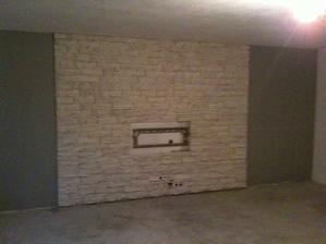 Hotova stena uz caka len na osadenie TV