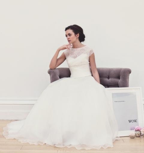 AZ inspirace I. - svatební šaty - jedny z mála dlouhých šatů, u kterých můžu říct, že se mi líbí a jsou zajímavý