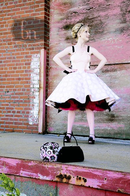 AZ inspirace I. - svatební šaty - barevná spodnička je zajímavá:-)