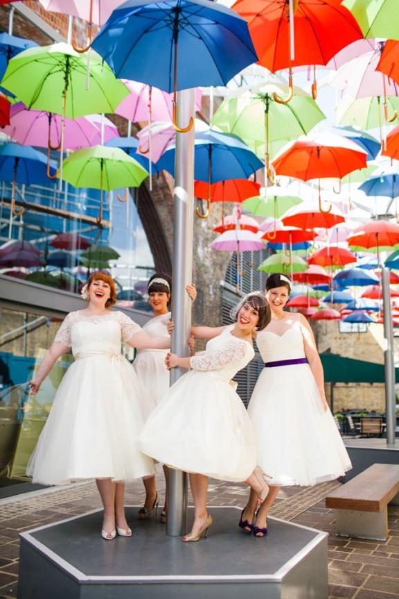 AZ inspirace I. - svatební šaty - To je prostě nádhera! Kde jsou letos holky s netradičníma šatama??