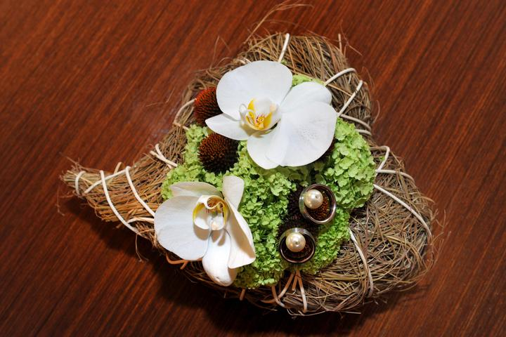 Inspirace - polštářek na prstýnky- jak jinak než orchidej :-)