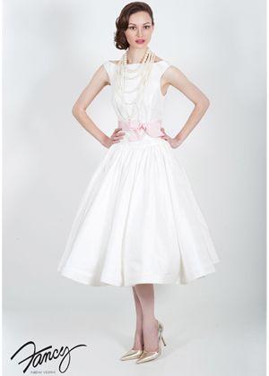 AZ inspirace I. - svatební šaty - nakonec budou šaty vypadat asi takhle...